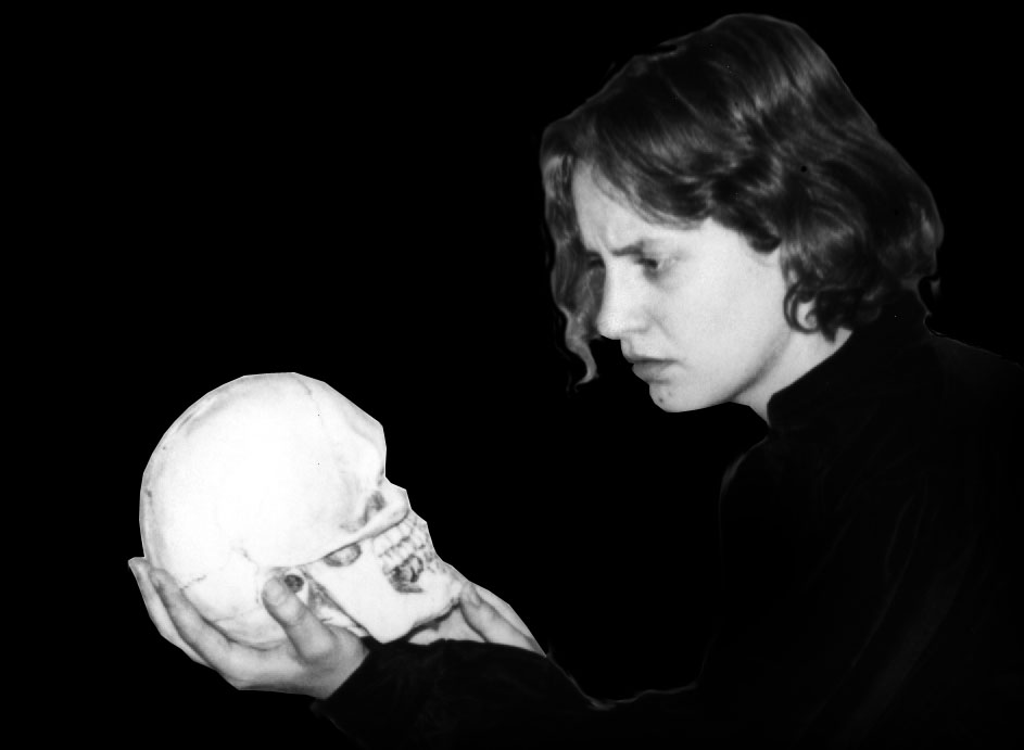 hamlet v ozymandias Ozymandias - i met a traveller from an antique land percy shelley wrote competing sonnets with his friend, horace smith, both called ozymandias.